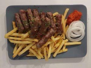 Cevap készétel az Ujča kemping étterméből
